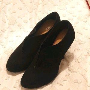 Black Shoe-ties